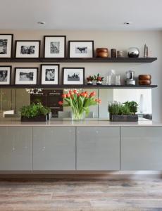 Line a kitchen shelf
