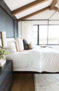 Grasscloth Wallpaper is hot - Talie Jane Interiors